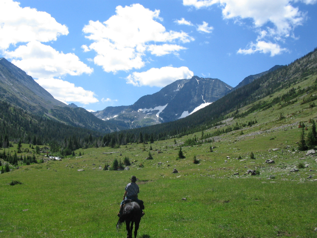 sweetgrass-riding-into-south-fork