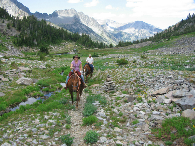 sweetgrass-riding-toward-lakes