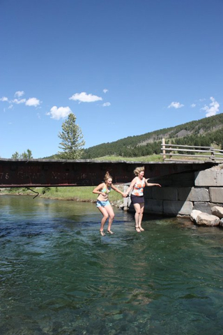 sam-and-her-mom-jumping-off-the-bridge